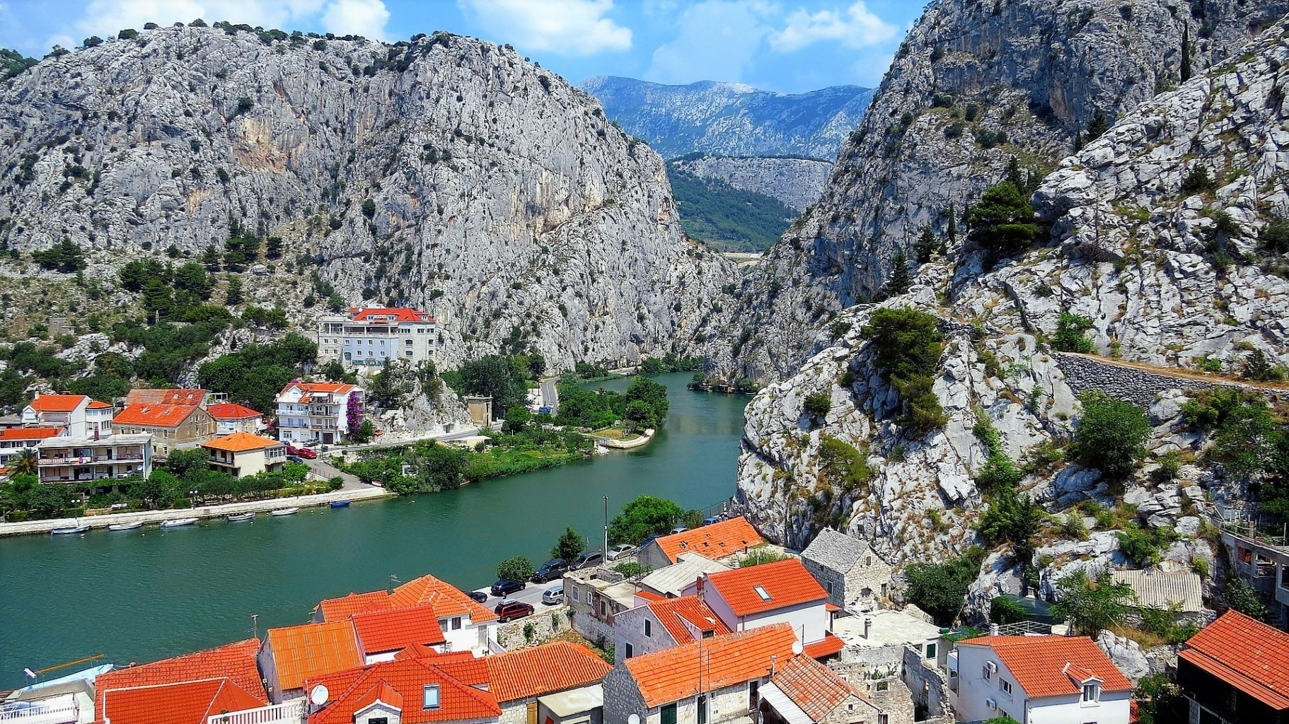 Omiš and the river Cetina