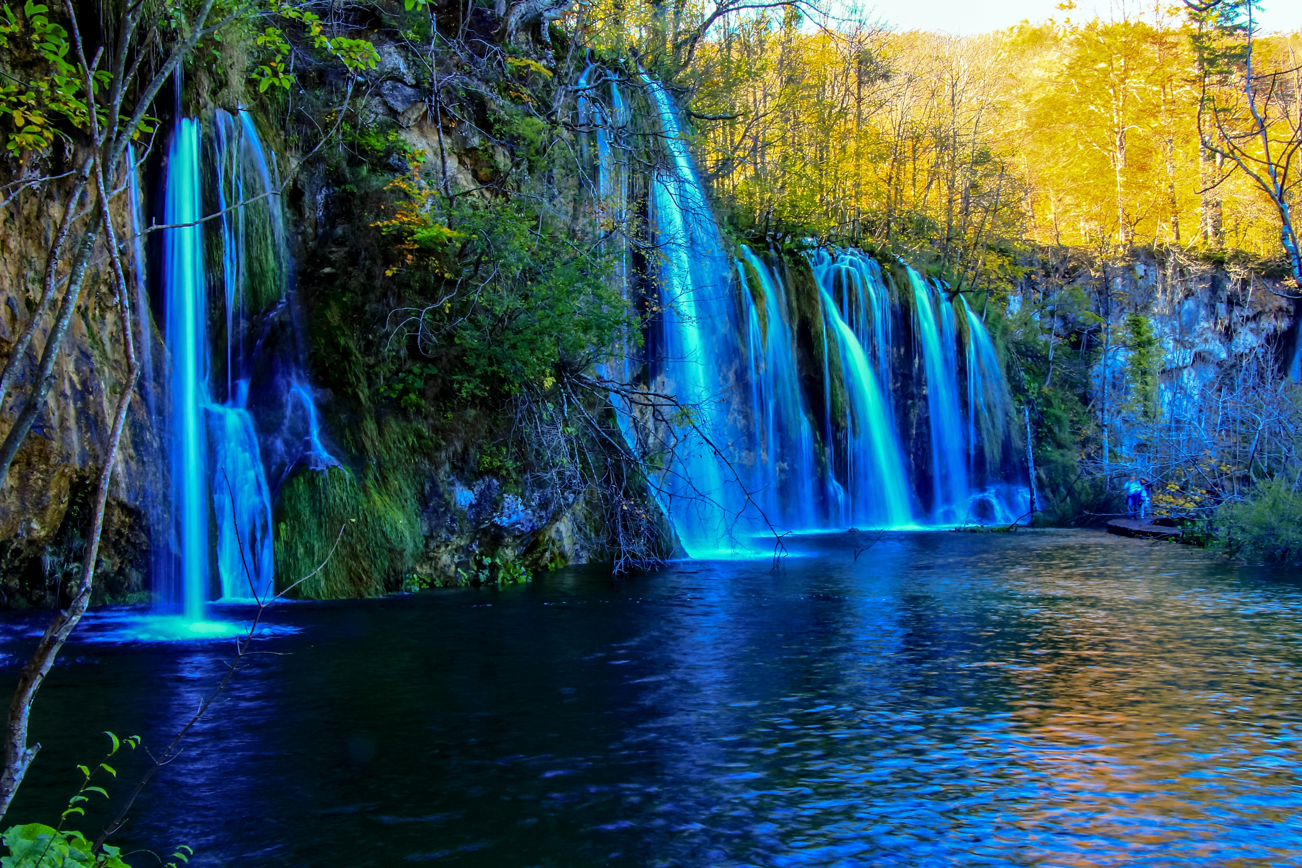 Visit and Explore National Park Plitvice Lakes in Autumn