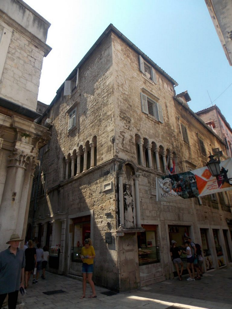 Palace Ciprianis - Enjoy the Feel of History Right in Centre of Split